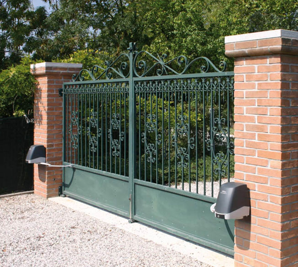 Swing Gates - Articulated
